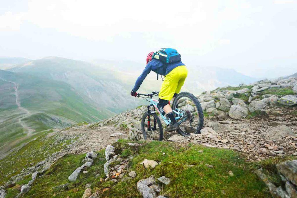 Rocky mountainbike trail in Lake district Engeland