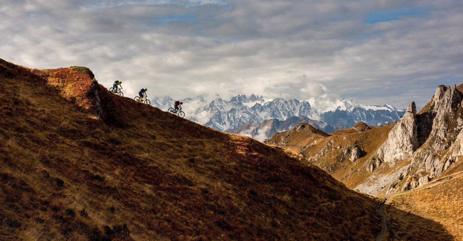 Trail addicts ride in Verbier