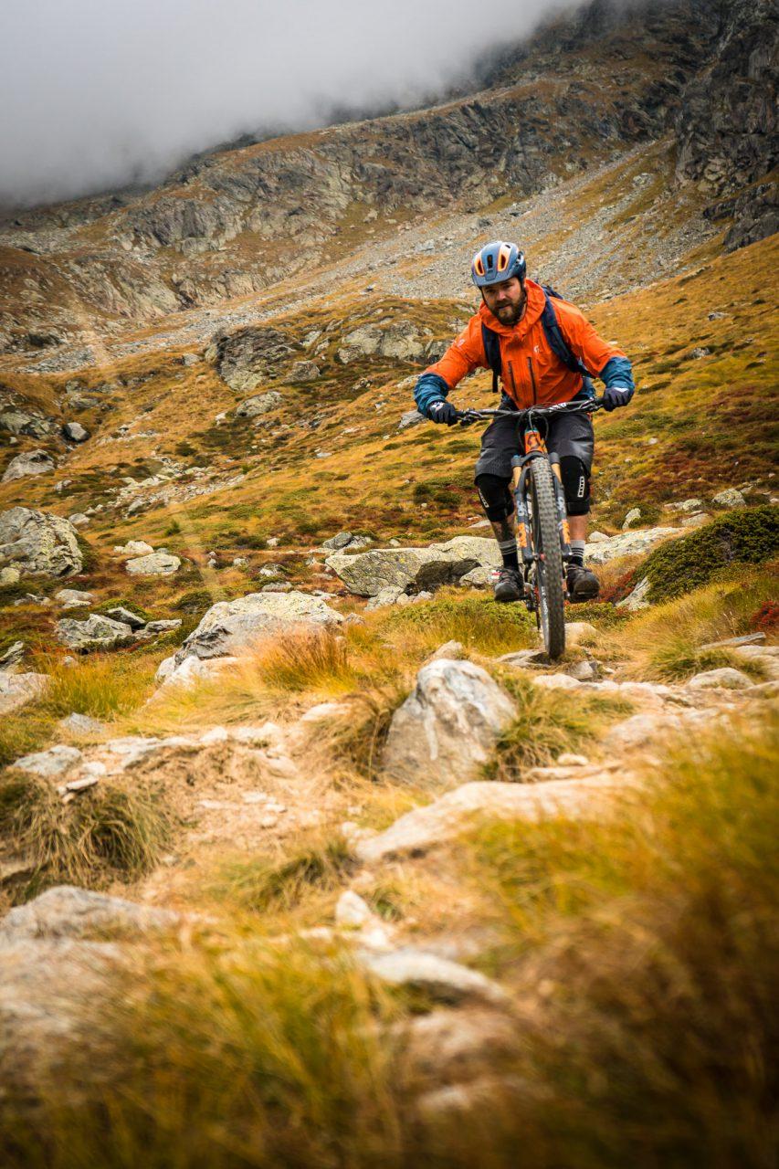 homeoftrails-graubuendenbike-steinig-trail-853x1280