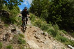 trails Reinhardstein met stenen