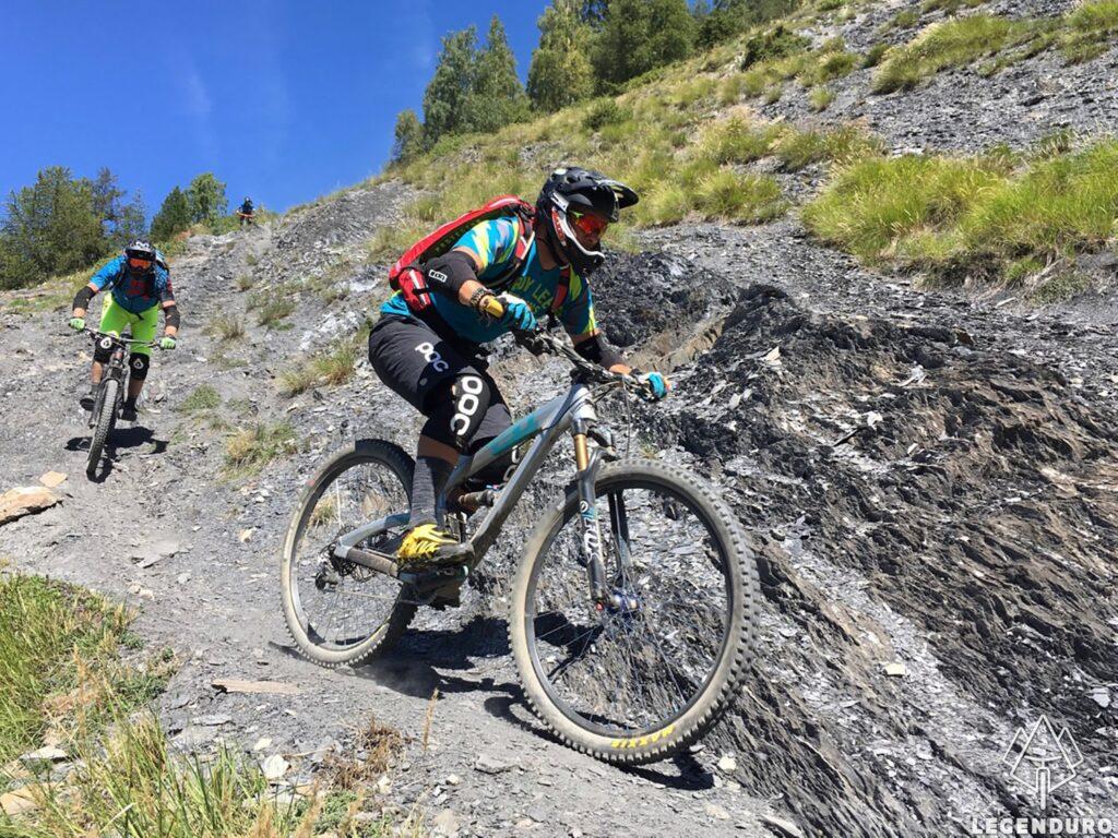 Enduro mountainbike in de franse alpen