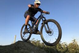 Drop op de mountainbike route van Oostvoorne