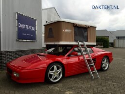 Ferrari met Daktent